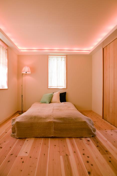 間接照明を使った寝室。