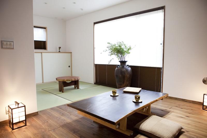 贅沢に南面にリビング・畳コーナー・寝室の3室が面しています。
