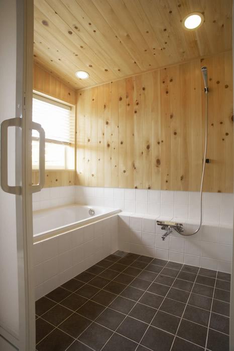 眺めのいい浴室